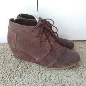 TOMS Desert Wedges Brown Suede 10 W